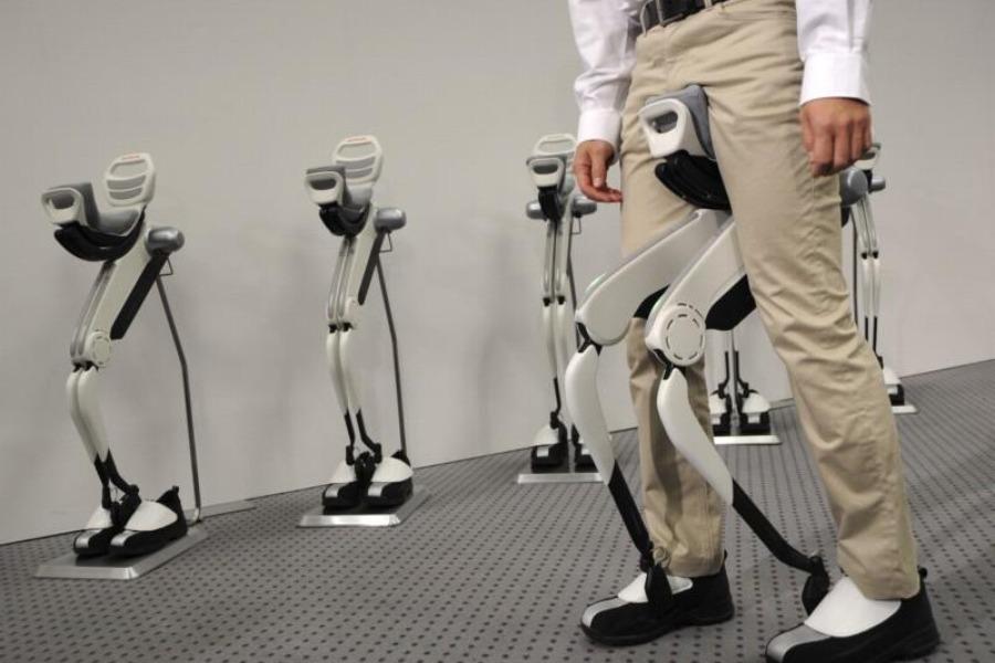 japanska-honda-izumila-je-roboticku-hodalicu-za-ljude-900x600-20081144-20101019010611-141291