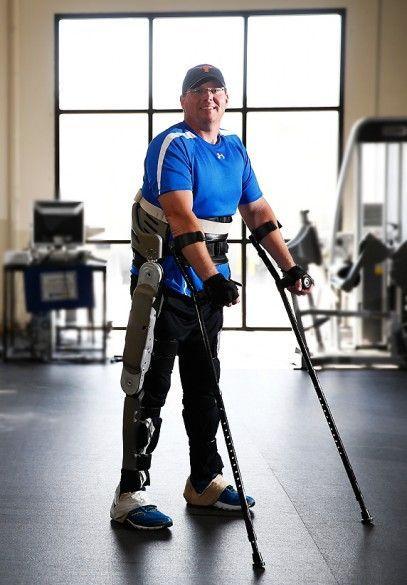 Новый экзоскелет заменит инвалидное кресло
