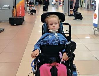 Девочку с мышечной дистрофией не пустили в самолет