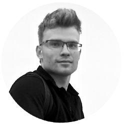 ЯРОСЛАВ СВЯТОСЛАВСКИЙ Пилот экзоскелета ExоAtlet. Маркетолог, редактор в Forbes.