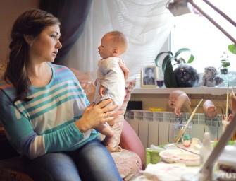 «Они не монстры». Женщина, пережившая две пересадки почки, создает реалистичных кукол-младенцев