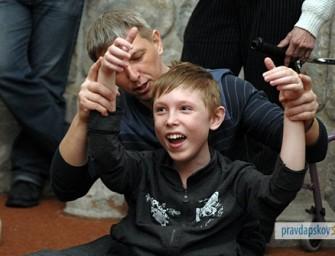 В Псковской области снимают фильм о путешествии мальчика с миопатией Дюшена