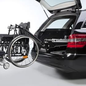 Avtomobil-s-oborudovaniem-dlya-invalidnogo-kresla-Paravan