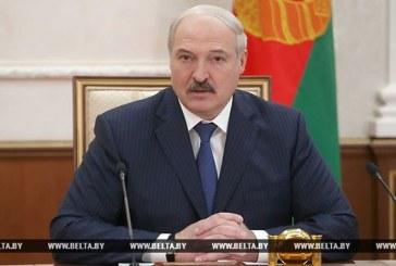 Лукашенко возмущен ситуацией с тарифами на ЖКУ и требует надеть наручники на виновных