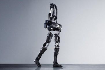 Phoenix: Суперлегкий экзоскелет позволяет парализованным свободно передвигаться