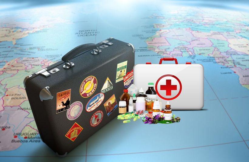 Как путешествовать с лекарствами за рубеж. На какие лекарства в путешествии должен быть рецепт