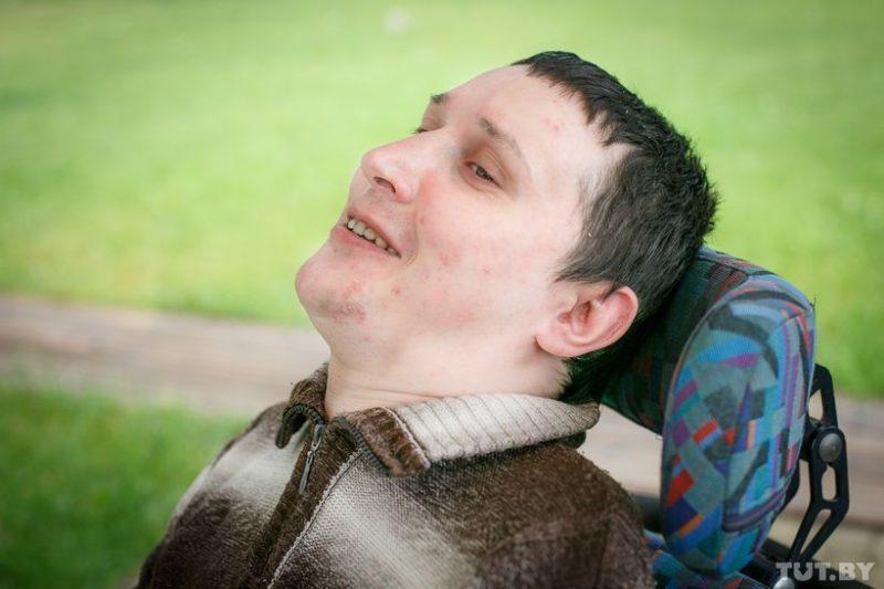Саша из Борисова, ему 33 года. «Я хочу показать другим, что нет ничего невозможного», — говорит он
