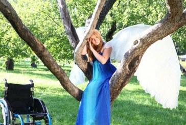 7 больших историй о любви и семье, рассказанных девушками на инвалидных колясках
