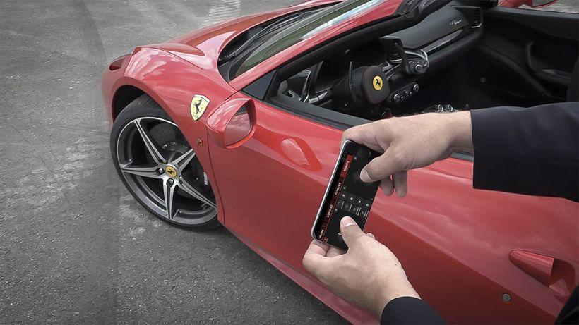 Смартфон вместо рулевого колеса? Почему нет…