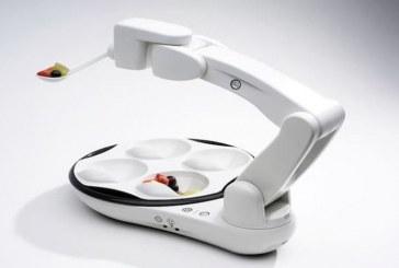 Уникальный робот-рука, который сможет накормить тех, кто сам есть не в состоянии