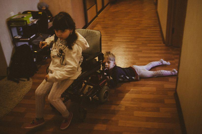 Яна Герина и ее брат Ваня Герин. У Яны — СМА 2-го типа. Фото: Александр Васюкович, Имена