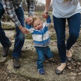 Оба родителя 16-месячного Джека — носители одного и того же дефектного гена, а значит, с вероятностью 25 процентов их дети унаследуют муковисцидоз. К счастью, сам Джек не подвержен этому недугу, но он со временем тоже может передать заболевание по наследству.