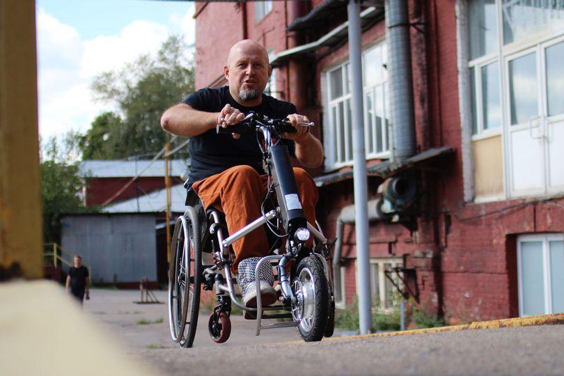 Российский гаджет электрифицирует любую инвалидную коляску