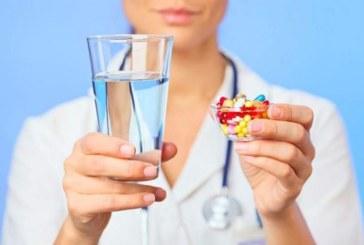 Как правильно пить таблетки. Чем запивать лекарства?