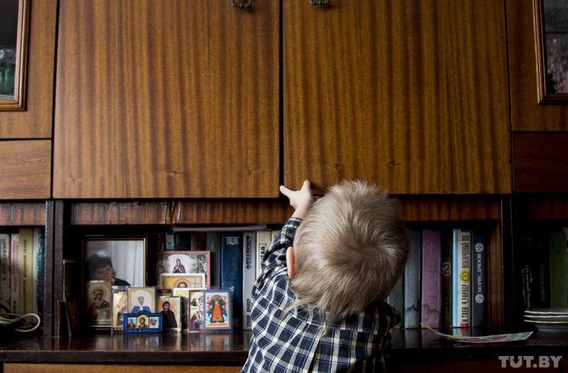 Сын с друзьями в лифте с мамой фото 66-214