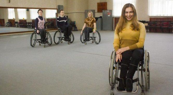«Героиня нашего времени»: как борисовчанка стала лучшей в мире танцовщицей на колясках