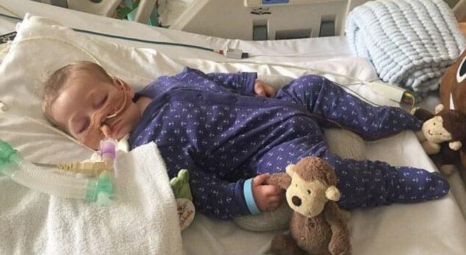 Вопреки воле родителей суд запретил продолжать лечение смертельно больного ребенка.