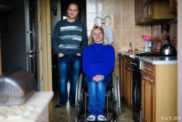 «Моя Света в коляске, ну и что?» История семьи, в которой жена не ходит