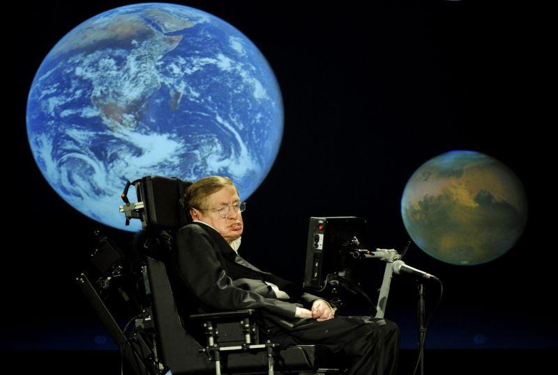Стивен Хокинг: у людей осталось 100 лет, чтобы покинуть гибнущую Землю