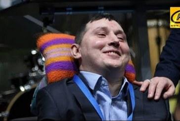 Инвалидность не приговор! Парализованный парень освоил пять IT-специальностей и готов учить других