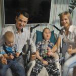 Жизнь взаперти. Непростая история семьи, в которой генетика дала сбой