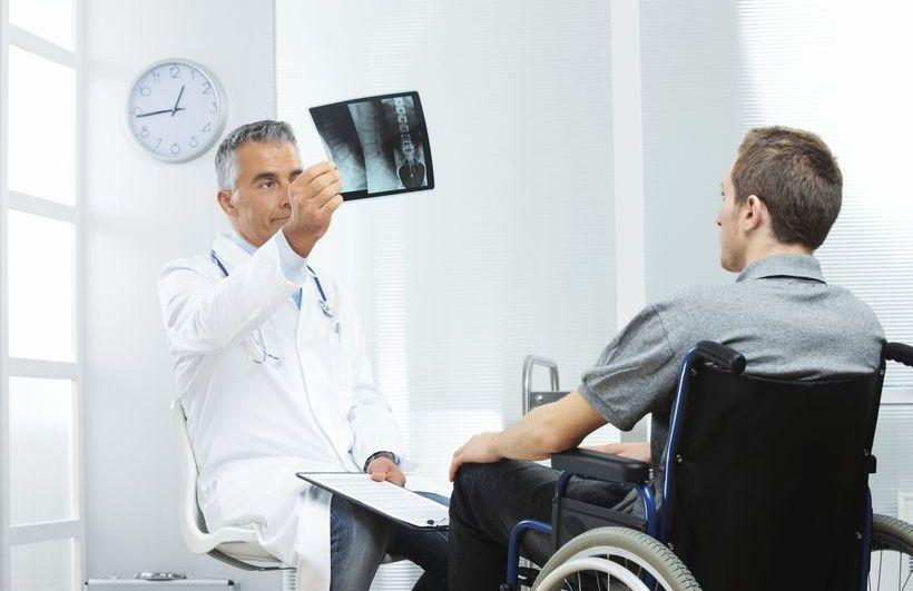 Когда нужно обращаться в МРЭК. В Беларуси планируют уйти от определения групп инвалидности