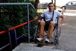 Журналист притворился инвалидом, чтобы искать работу