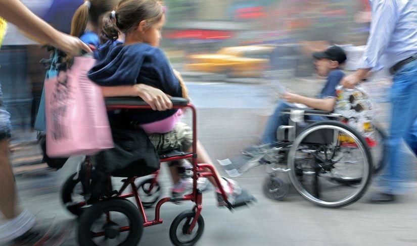 Условия назначения пенсий родителям, воспитывающим детей-инвалидов
