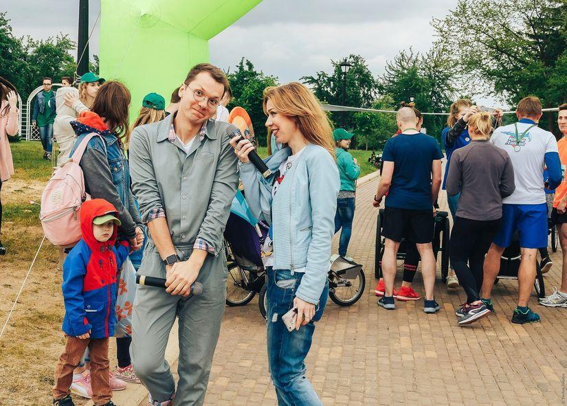 Популярные радиоведущие Катя Самсонова и Андрей Лещинский