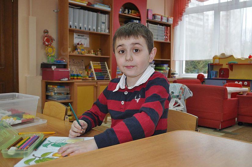 Сын Елены Шевкуновой Никита. Мальчик хорошо учится в школе а на досуге любит слушать джаз Фото из семейного архива Елены Шевкуновой