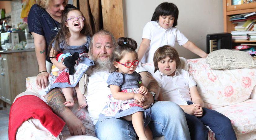 Истории приемных семей глазами мужчин: Петр Свешников и его семеро детей
