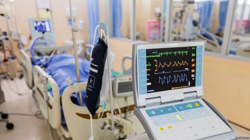 Можно ли навестить родных и принести им бульон? Ответы на важные вопросы о посещении больниц и реанимаций
