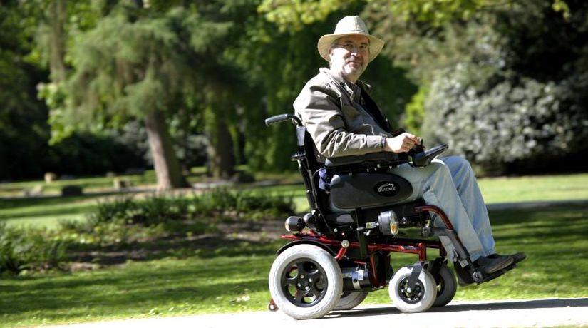 Как выбрать инвалидную коляску с электроприводом