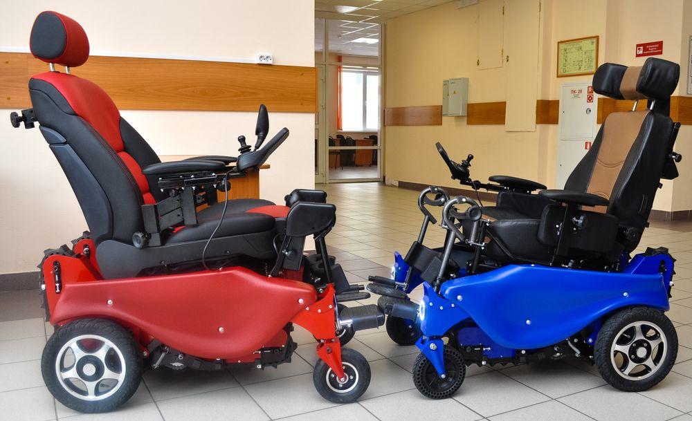 В Новосибирске прошли испытания первой российской инвалидной коляски-вездехода Caterwil