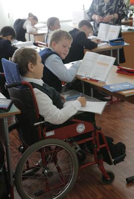 Ученик 5-го класса среднеобразовательной школы № 1161, инвалид детства Кирилл Дроздков