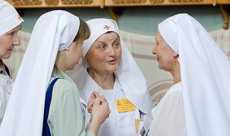 В православных сестричествах Беларуси не хватает сестер милосердия