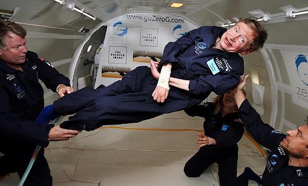 Стивен Хокинг решил стать астронавтом