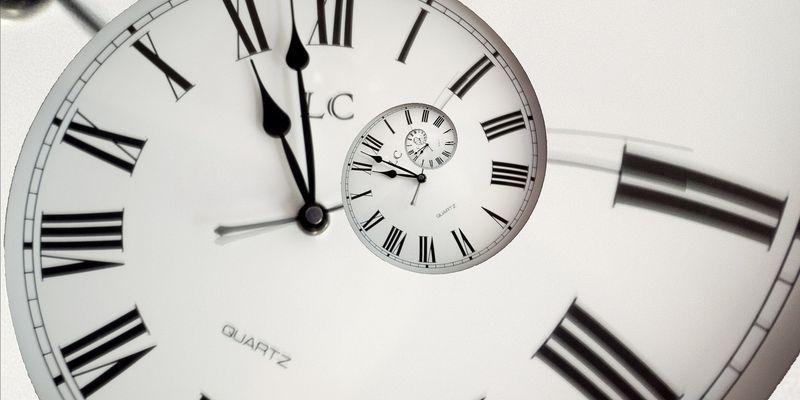 Остаемся в летнем времени: Беларусь не переводит стрелки часов