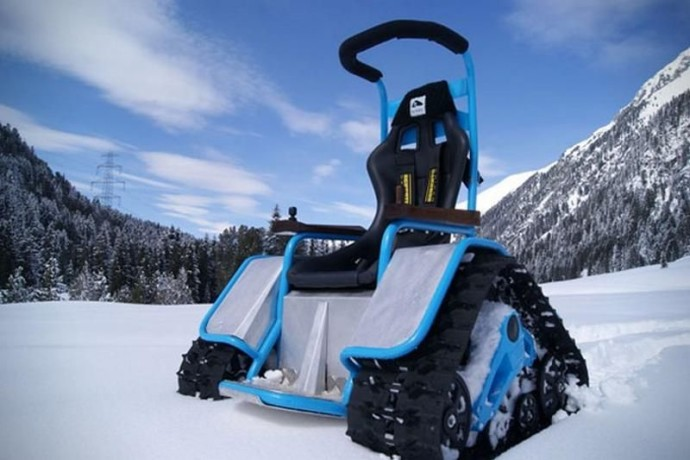 Der-Ziesel-Electric-Tank-wheelchair-2
