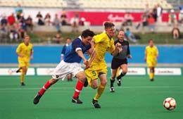 Есть разный футбол – большой и мини, профессиональный и дворовый…