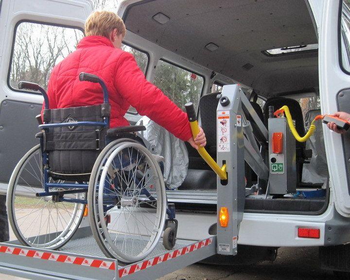 Социальное такси Бобруйска отказалось подвозить девушку-колясочницу