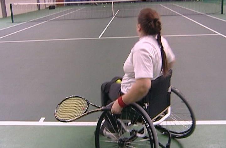 Теннис на колясках: Все, как в большом спорте, и поблажек нет
