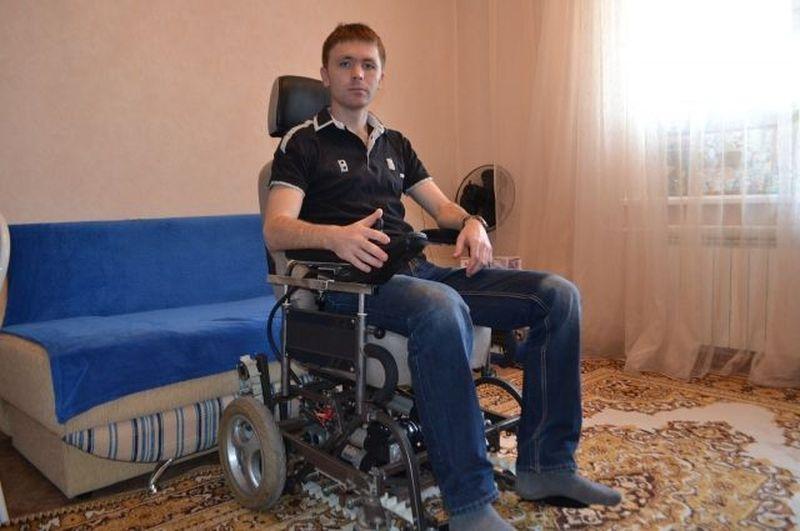 «Коляска-танк». Новосибирские инженеры создали вездеход для инвалидов