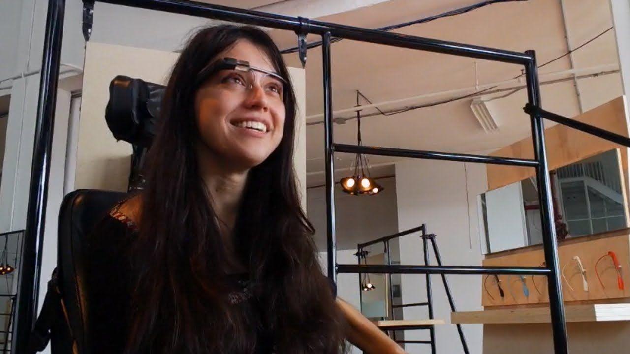 Как очки Google Glass помогают людям с инвалидностью