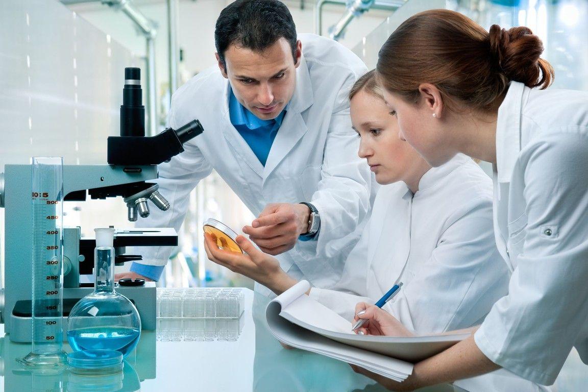 Экспертиза ДНК: каждый пятый белорус, сделавший анализ, воспитывает не своего ребенка, а у близнецов могут быть разные отцы