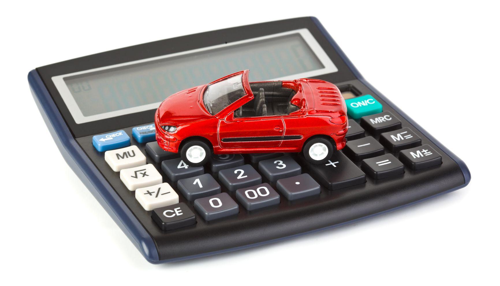 """""""Транспортный налог"""" для инвалидов и пенсионеров собираются вдвое уменьшить. На очереди – таксисты?"""