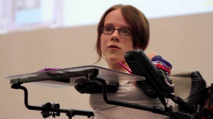 Робот-помощник для инвалидов