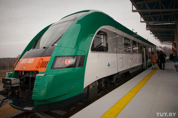 От железнодорожного до аэровокзала за 70 минут: репортаж из первого поезда до Национального аэропорта Минск