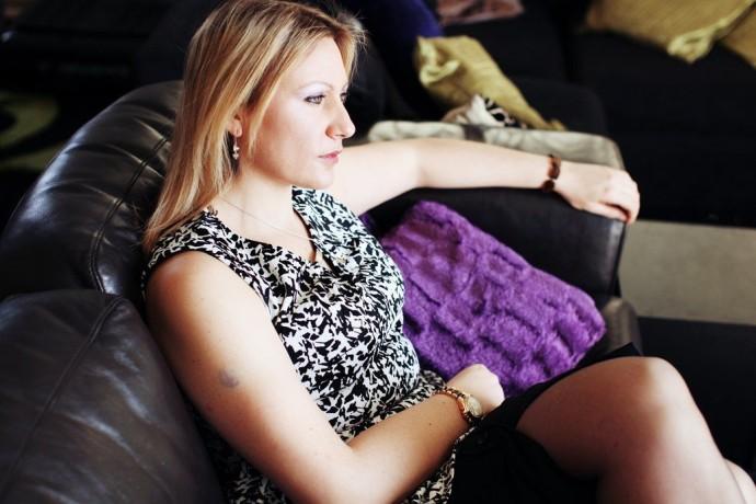 ↑ Кандидат в британский парламент, активистка и секс-работница Шарлотта Роуз в своей лондонской квартире.