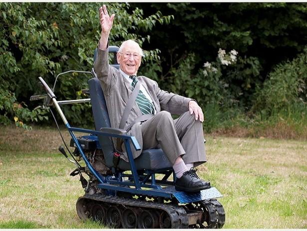 96-летний британец стал обладателем инвалидной коляски-танка